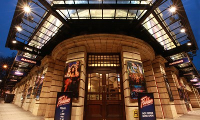 The Shaftesbury Theatre foyer entrance, 2011